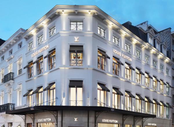 façade du magasin Louis Vuitton