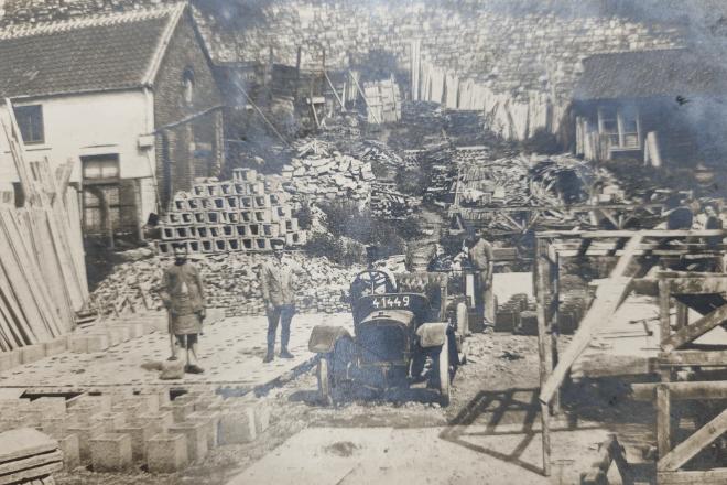 1959 : préfabrication béton à notre atelier d'Herbatte à Namur en 1959
