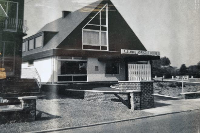 1970 : construction d'une agence bancaire Alliance Agricole Belge à Bouge fin des années 70 devenue aujourd'hui CBC